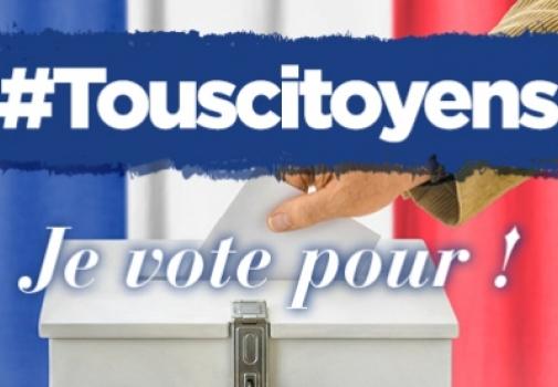 image d'une main qui met un bulletin de vote dans l'urne avec écrit dessus Tous citoyens