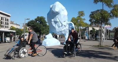personne handicapées dans les rues d'evian