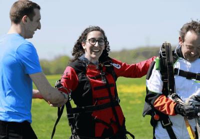 Hayette après un saut en parachute