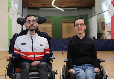 rodrigue et samir posant dans la salle d'entrainement