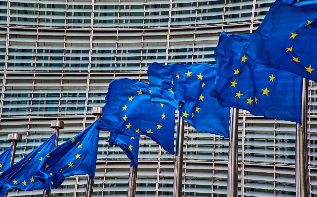 Drapeau européen flottant dans le vent