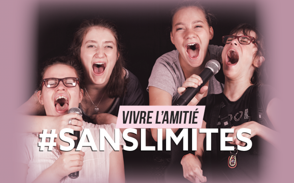 Charline et ses amies chantent