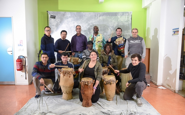 Le groupe les Tambours de la Chapelle avec leur instrument