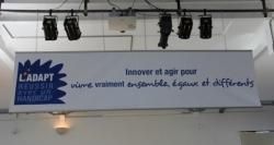 """photo de la bache """"Innover et agir pour vitre vraiment égaux et différents"""""""